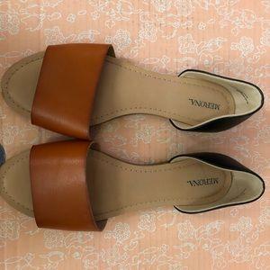 Adorable flat sandals